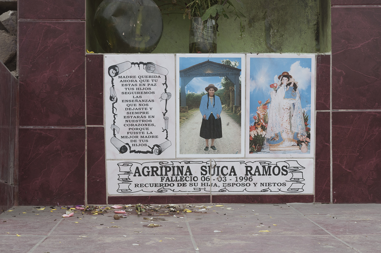 Muerte en multitud (Death in a multitude) - nicola, torriti