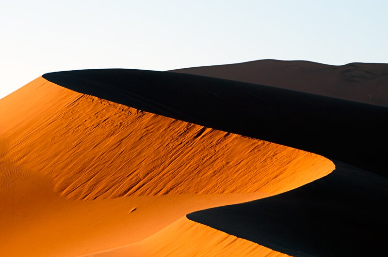 light & darkness - golddust - Gold dust. Namibia´s Namib desert photography by Nuria B. Arenas