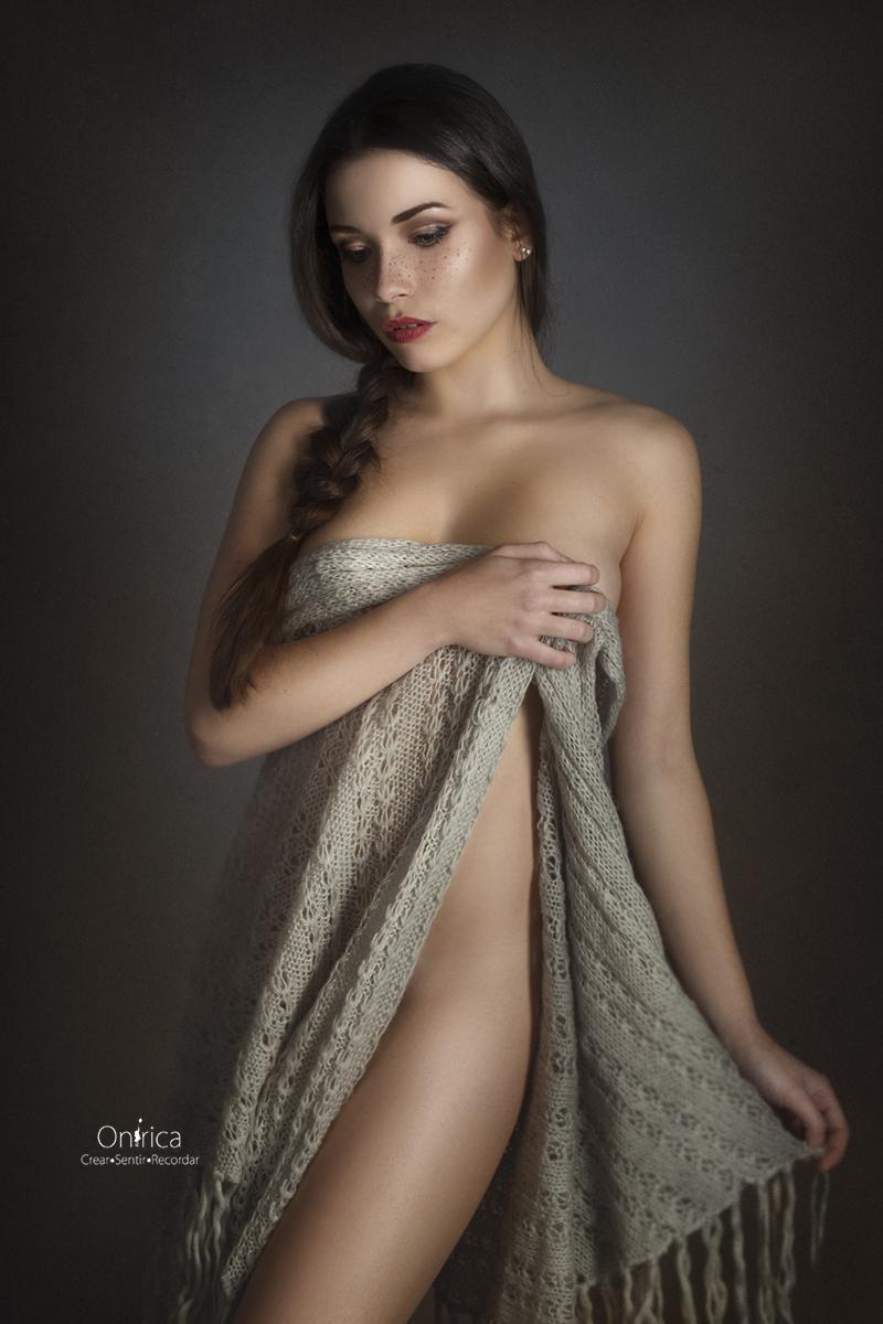Bellas y sensuales - FOTOGRAFÍA DE BOUDOIR Y DESNUDO ARTISTICO | VALENCIA
