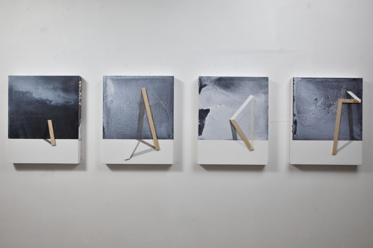 Ways to holding the landscape / 2015 /  Acrylic paint and wooden strip on canvas / 50x40 cm each - STAGE  - Pere Galera