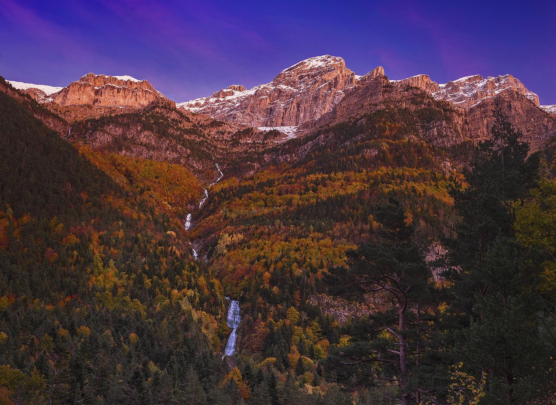 Ordesa - Alpen glow - Peter Manschot Al Andalus Photo Tour, Landscape photography photos prints workshops Andalusia Spain