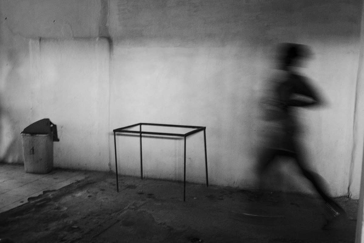 shadow of a runner in cuba - Anonymous Island - Anonymous Island - Cuban Photo essay of Louis Alarcon about Cuba and its mistery