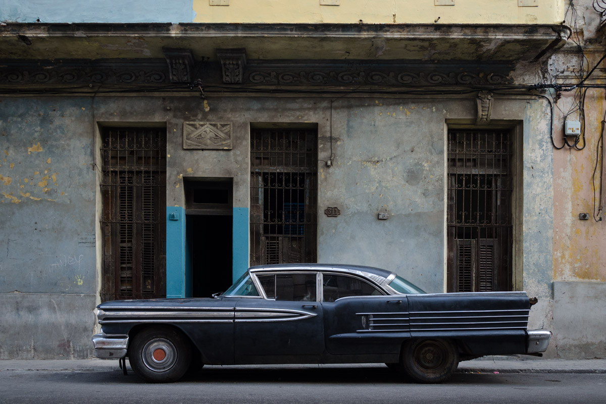 Americans in Havana - Photos and images of american old cars in Cuba , by Louis Alarcon