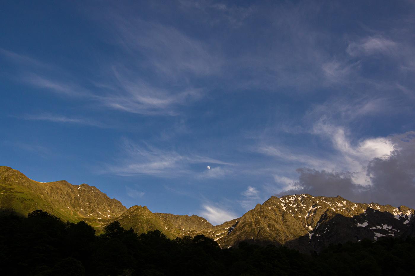 i la lluna al centre - Fotografies de paisatges - Raül Carmona - Fotografia, Fotografia d'estudi, esdeveniments i Natura