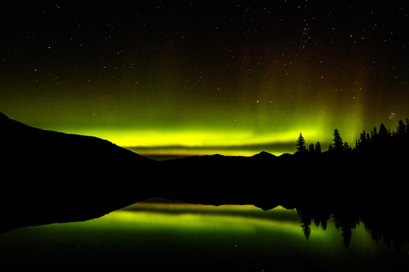 Northern lights at Pyramid Lake - Paisatges de Nord-Amèrica - Raül Carmona - Fotografia, Fotografia d'estudi, esdeveniments i Natura