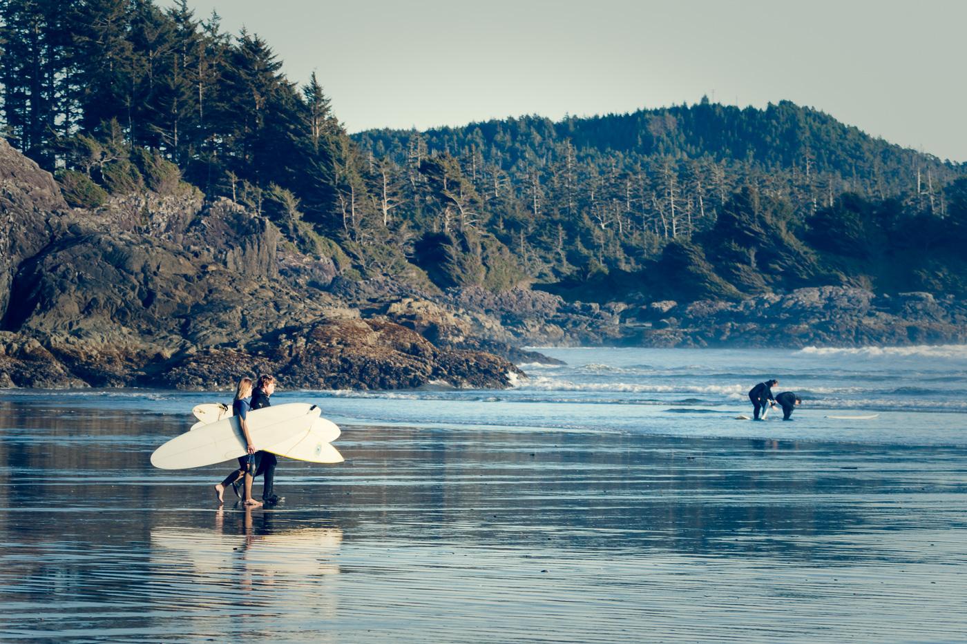 Surfers at Toffino - Paisatges de Nord-Amèrica - Raül Carmona - Fotografia, Fotografia d'estudi, esdeveniments i Natura