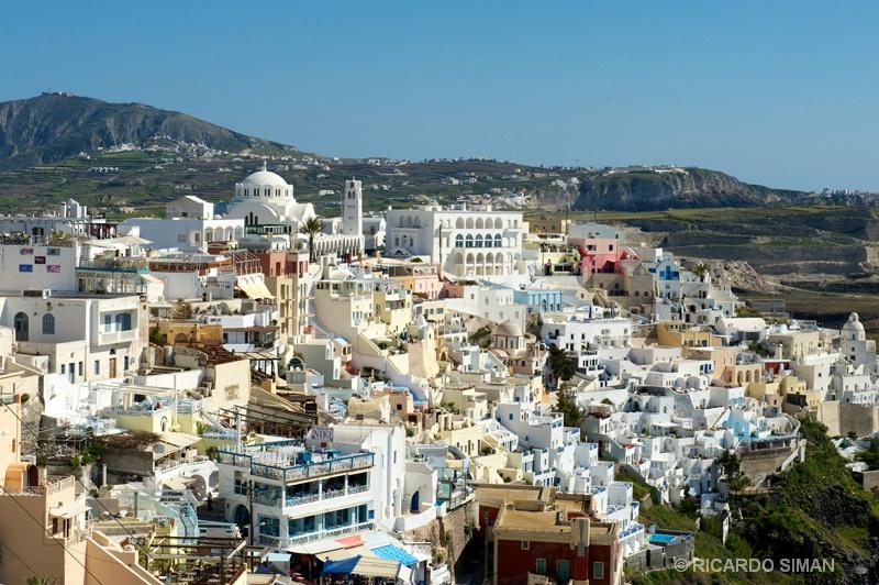 Vista desde el mar, de la Isla de Santorini, Grecia. - Grecia - Ricardo Simán . Grecia