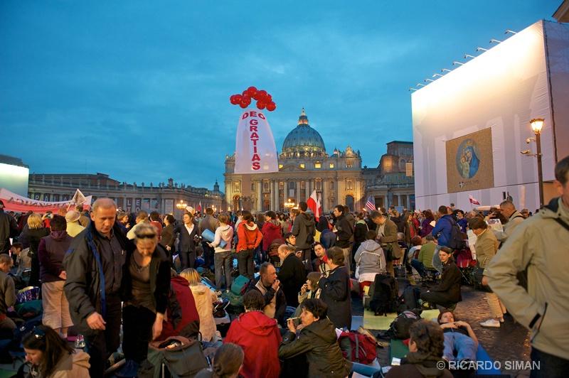 Misa por Beatificacion de Juan Pablo II - Ciudad del Vaticano - Ricardo Simán . Ciudad del Vaticano