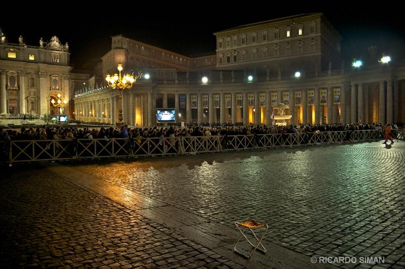 Plaza de San Pedro - Ciudad del Vaticano - Ricardo Simán . Ciudad del Vaticano