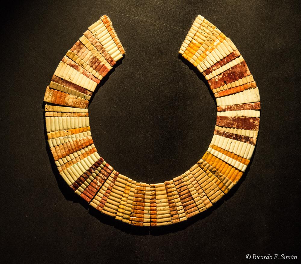 DSC_9731 Pectoral de Conchas Señor de úcupe - Señor de Ucupe - Ricardo F. Simán, Fotografía