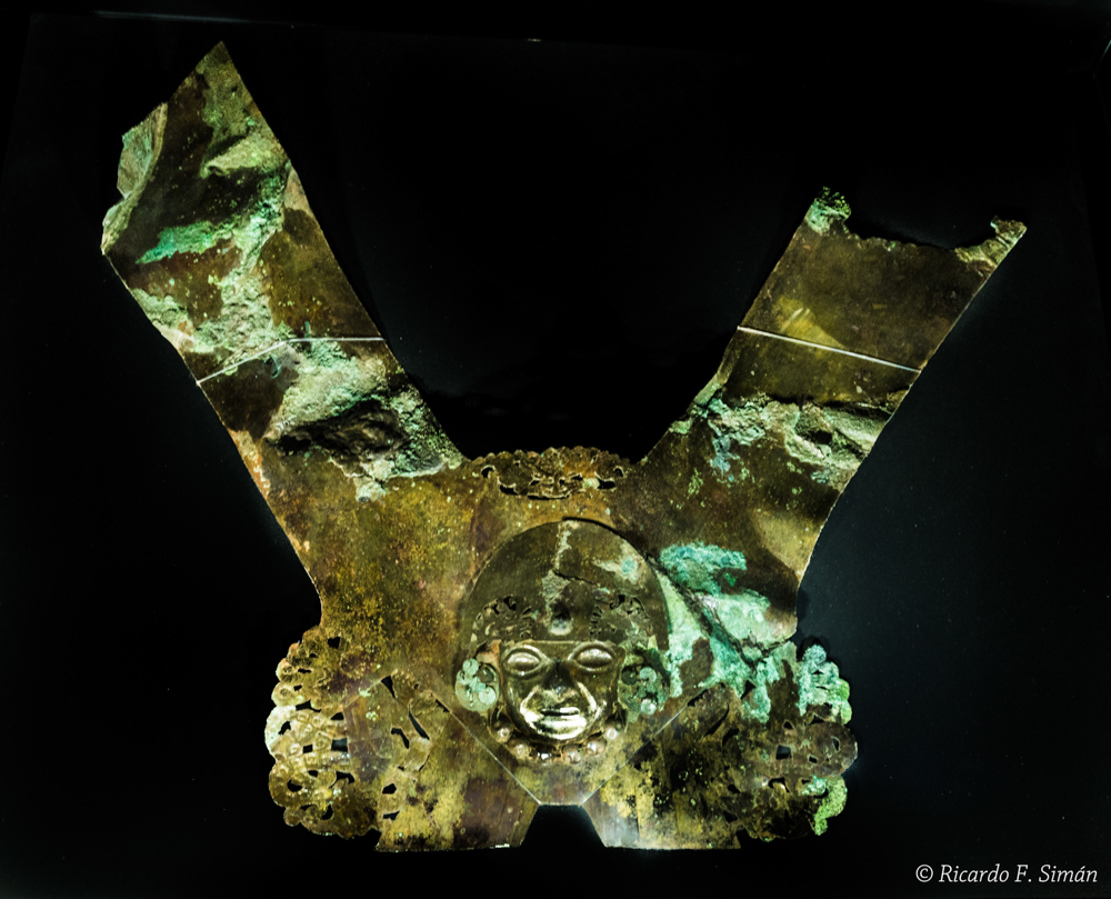 DSC_9756 Corona Señor de Ucupe - Señor de Ucupe - Ricardo F. Simán, Fotografía