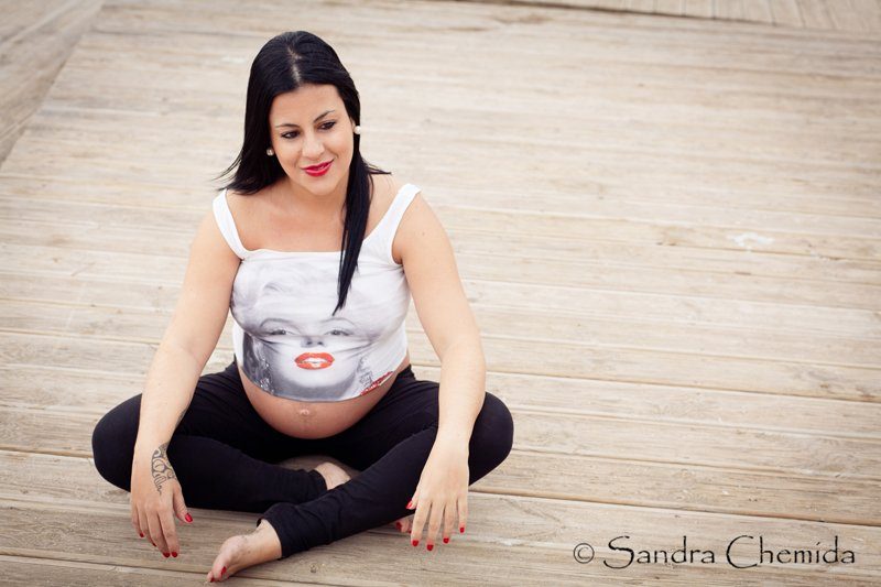 Sesión fotográfica embarazada en Las Palmas - Idaira y Ariadna  (Sesión premamá en El Confital) - Fotógrafo de Bodas en Las Palmas, Fotografía de boda en Las Palmas, Fotografías de boda en Las Palmas, Fotógrafos de boda en Las Palmas Fotografía de bebés en Las Palmas, Fotografía premamá en Las Palmas, Fotografía de familia en Las Palmas,