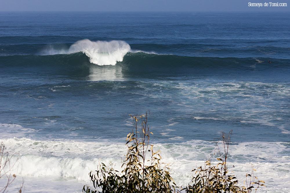 No olvidemos, en este reportaje, siempre olas de muchos metros, aquí un