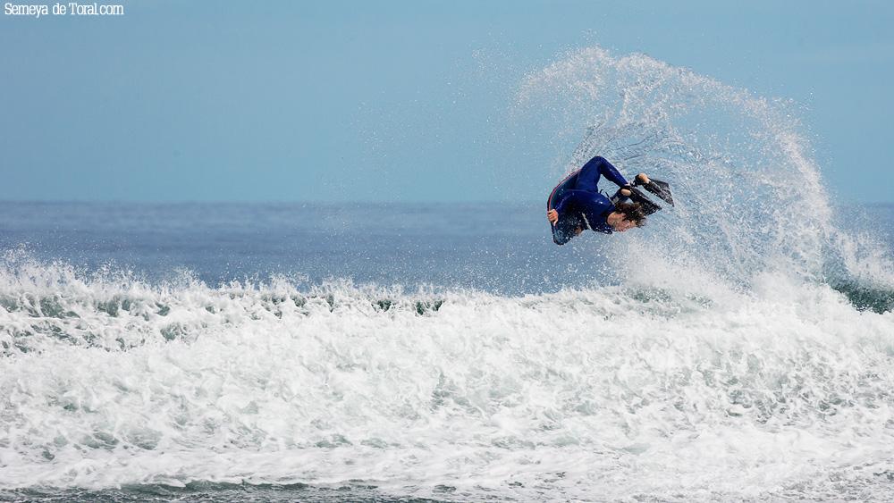 Justo en la salida. - Surf de arrastre (towout) - Semeya  de Toral
