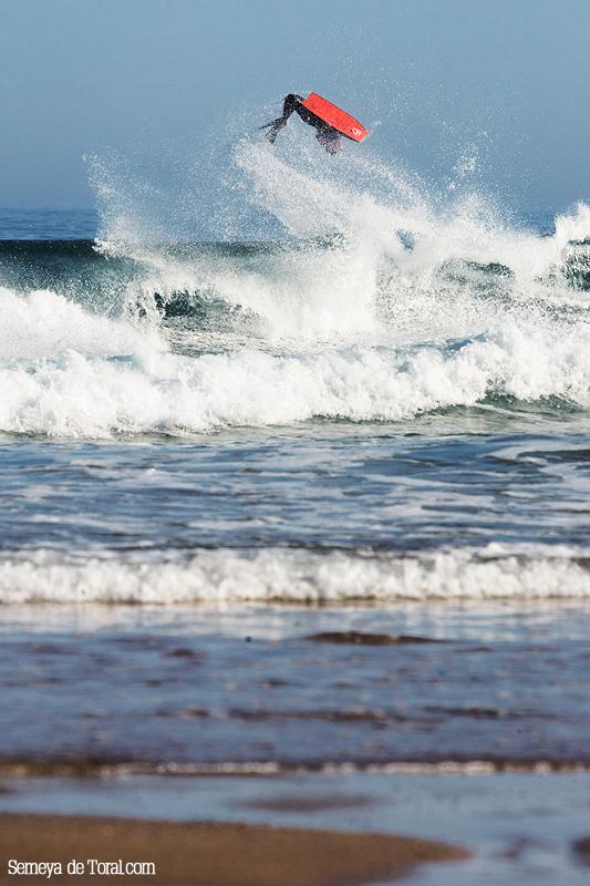 Campa a tope. - Surf de arrastre (towout) - Semeya  de Toral