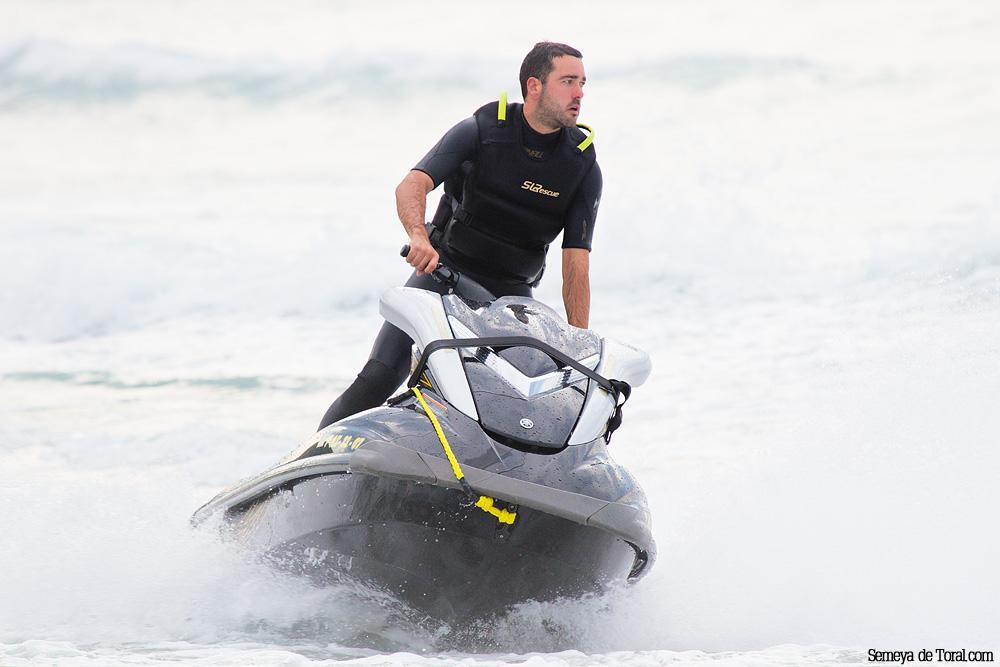 Jorge uno de los pilotos. - Surf de arrastre (towout) - Semeya  de Toral