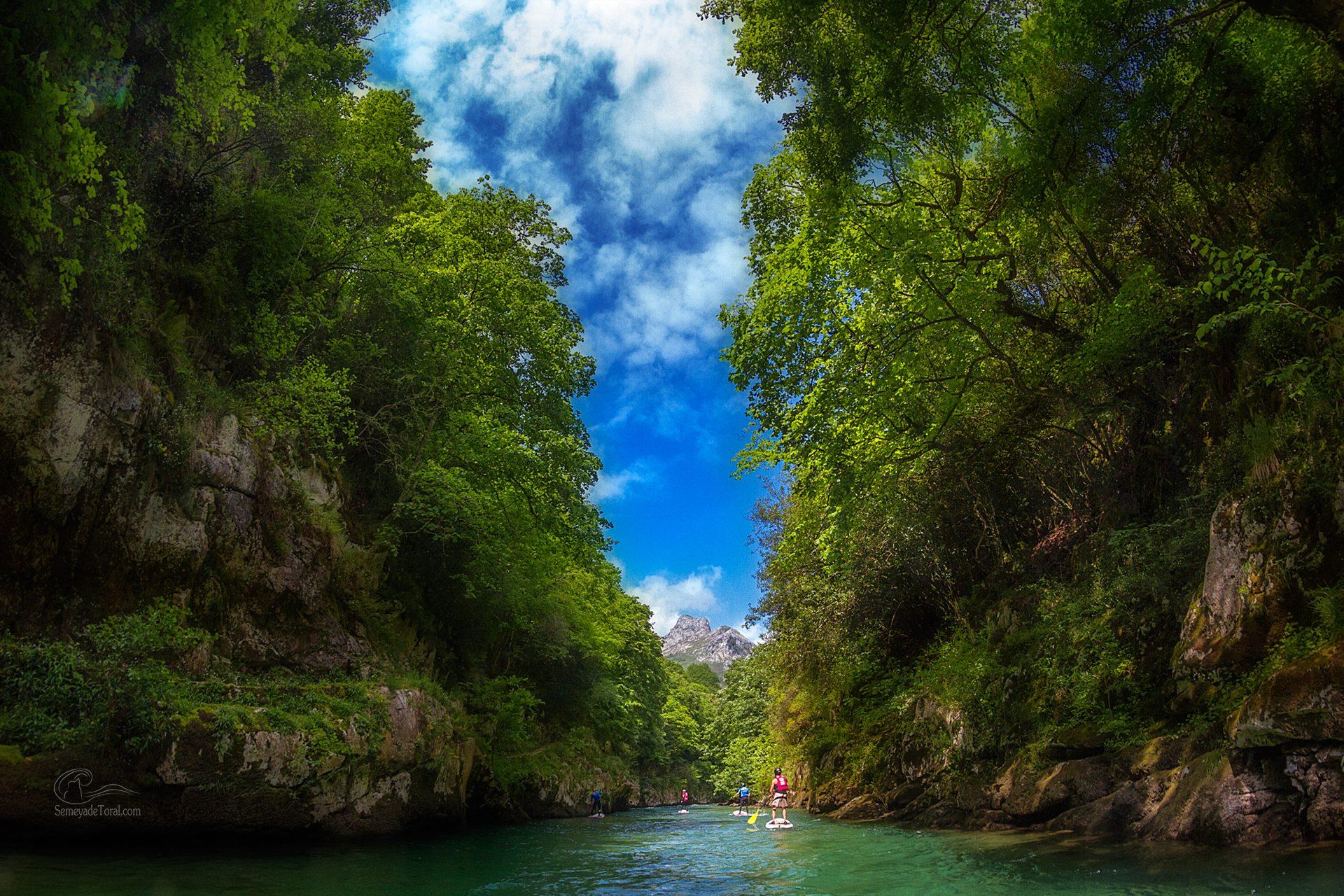 Remando en plena selva - STAND UP PADDLE SURF - Semeya  de Toral