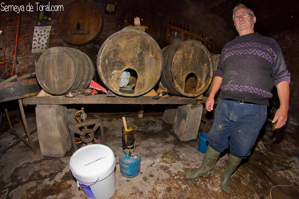 Calentando maquinaria - En el Llagar - Semeya  de Toral