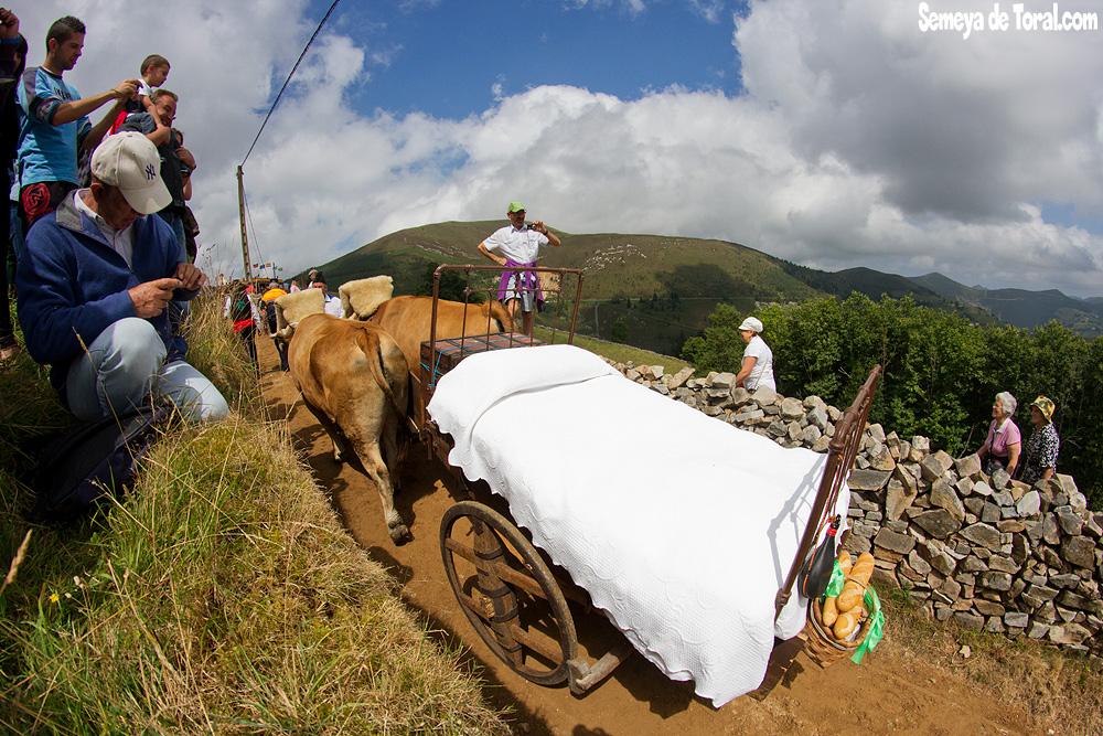 Ajuar - Vaqueirada - Semeya  de Toral