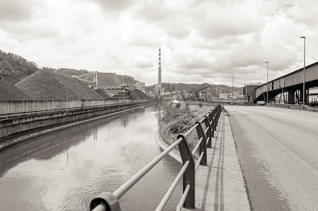 estudio 5047. Aboño. 2013 - INDUSTRIAL LANDSCAPE 2013 - senenmerino. fotografias de autor sobre La industria . asturias . españa.