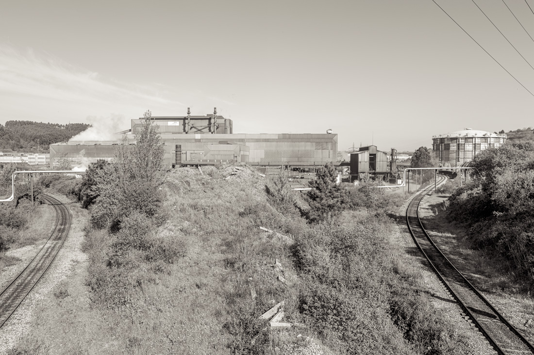 estudio 17. Veriña - INDUSTRIAL LANDSCAPE 2013 - senenmerino. fotografias de autor sobre La industria . asturias . españa.