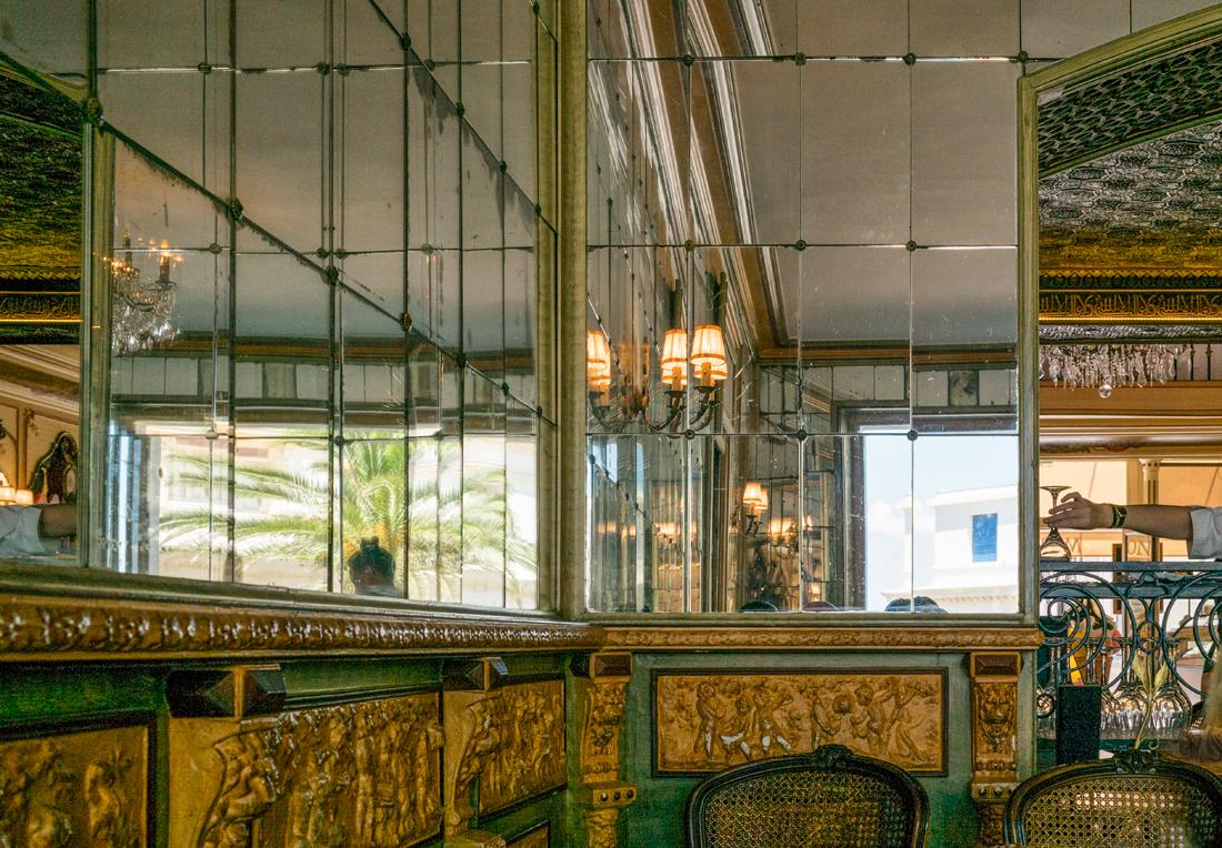 estudio 7844. Biarritz.  2016 - detrás del reflejo.-behind the reflection- - senén merino, photograph