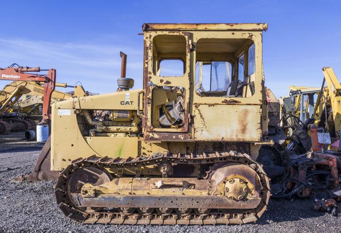 Tractor. Estudio 3988 - DESGUACE - senenmerino. fotografías de  un DESGUACE de maquinaria.