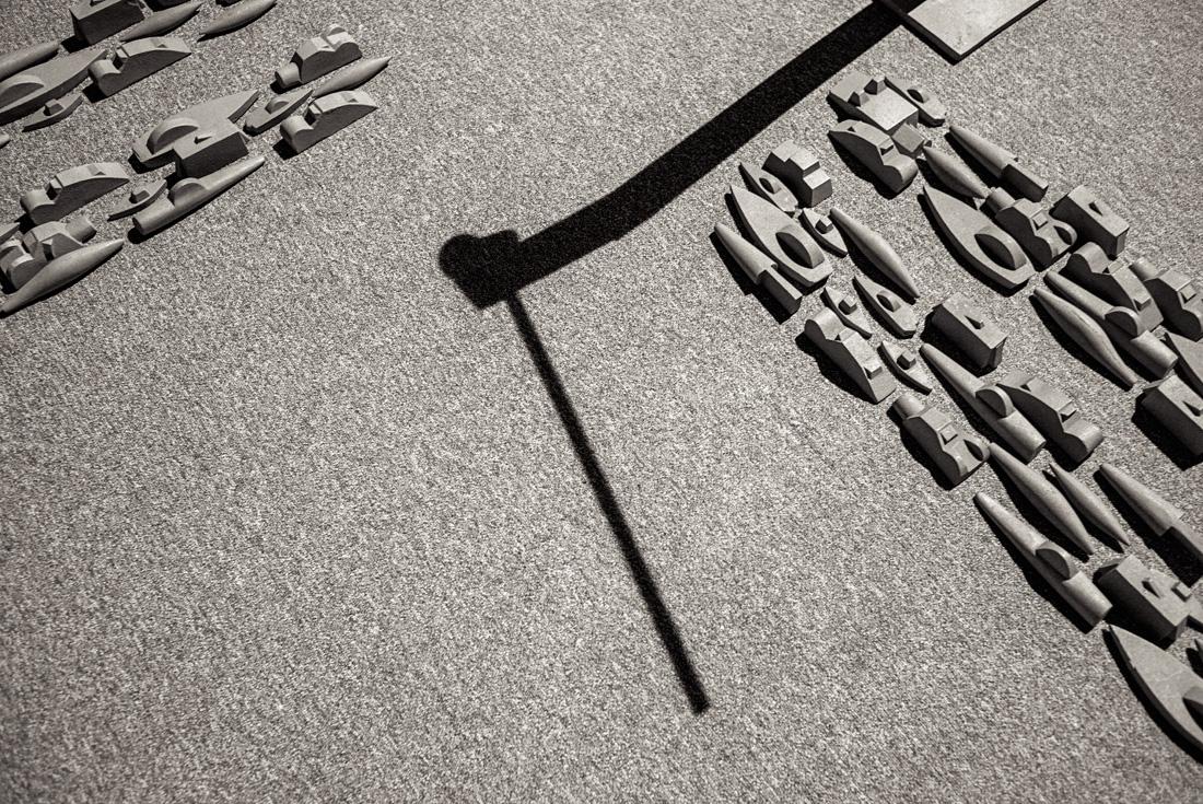 estudio 8594. cruce. 1990. Miguel Navarro. 2017 - ELOGIO DE LA SOMBRA.-praise in the shadow-.2017 - senén merino, photograph
