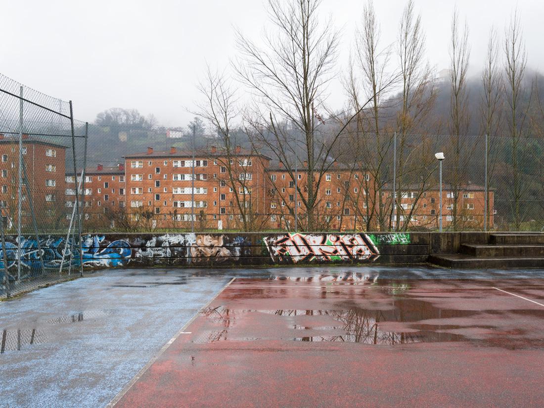 estudio 874. La Felguera. 2019 - juegos.-games- - senén merino, photograph