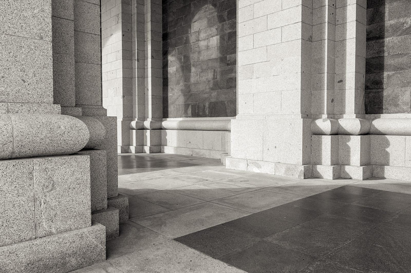 estudio 2602. Valle de los Caidos. 2014 - museos y galerias.-museums and galleries- - senén merino, photograph
