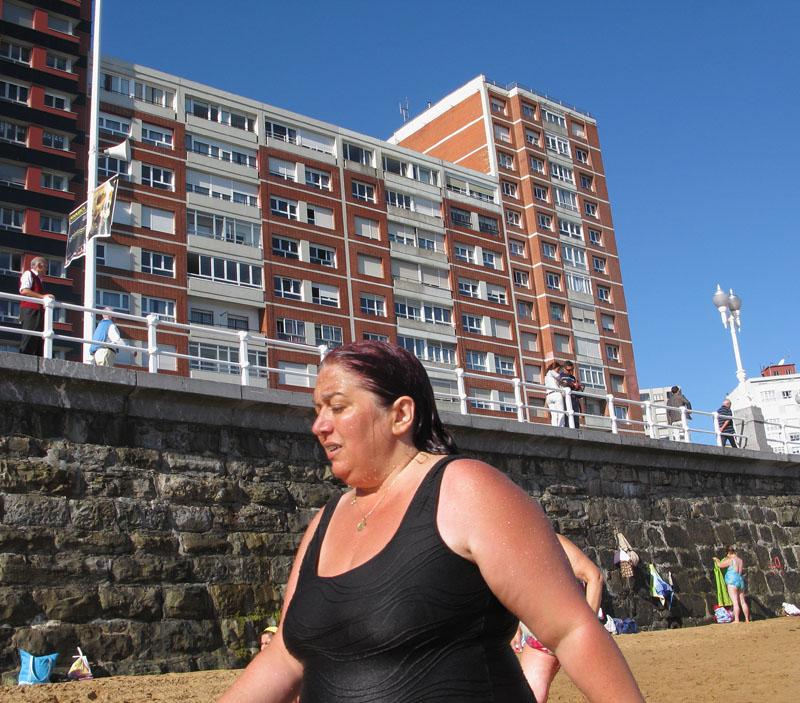 Negro - RIO PILES A SAN PEDRO. 2009 - senenmerino.Fotografías Playa de Gijón.