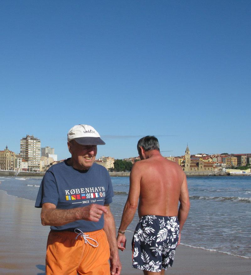 KOBENHAVN - RIO PILES A SAN PEDRO. 2009 - senenmerino.Fotografías Playa de Gijón.