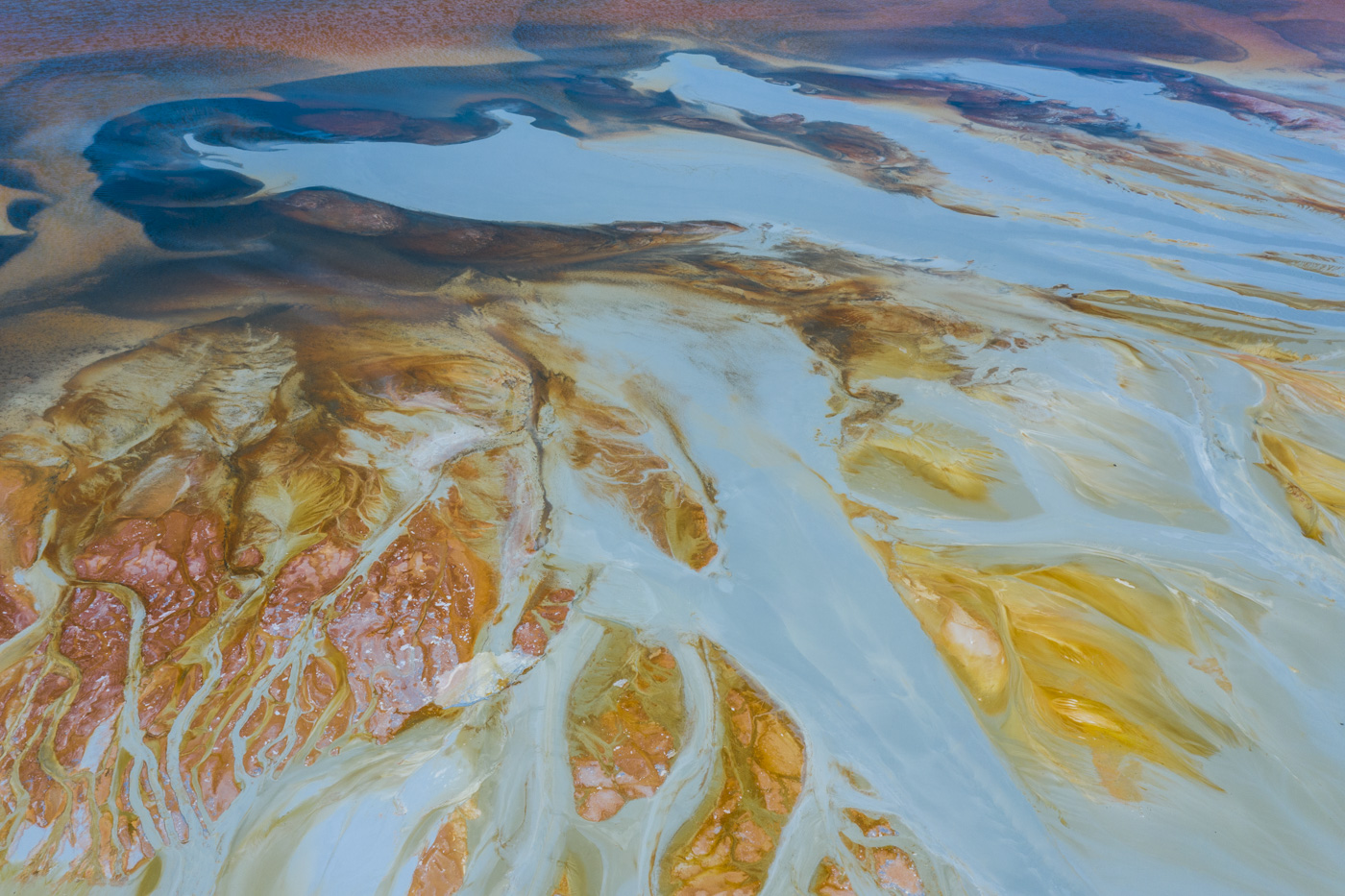 Tinto, rosado o blanco - Uge Fuertes, imágenes aéreas del Rio Tinto