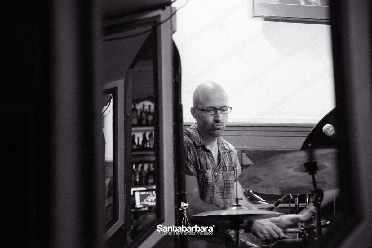 Julián Maeso: Saturn became Central - Estudio Fotográfico Santabárbara, sesiones de estudio y reportajes fotográficos