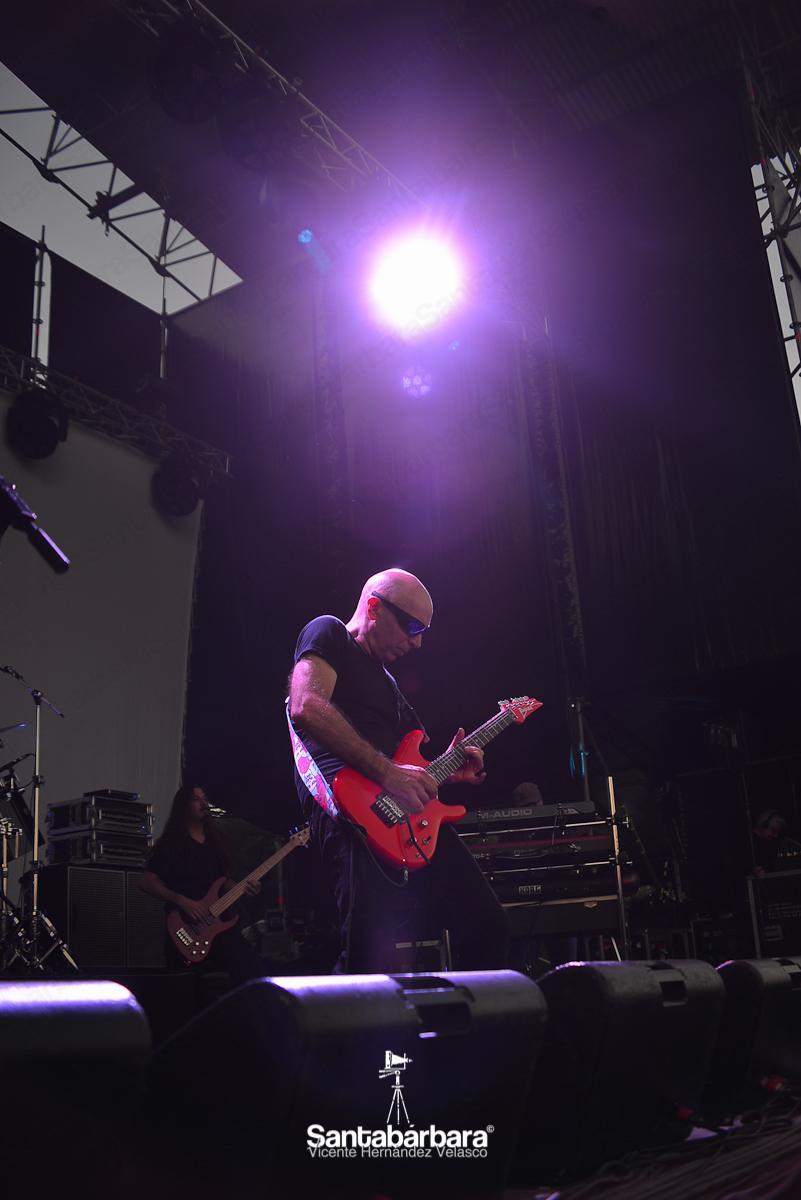 Joe Satriani over Madrid - Estudio Fotográfico Santabárbara, sesiones de estudio y reportajes fotográficos