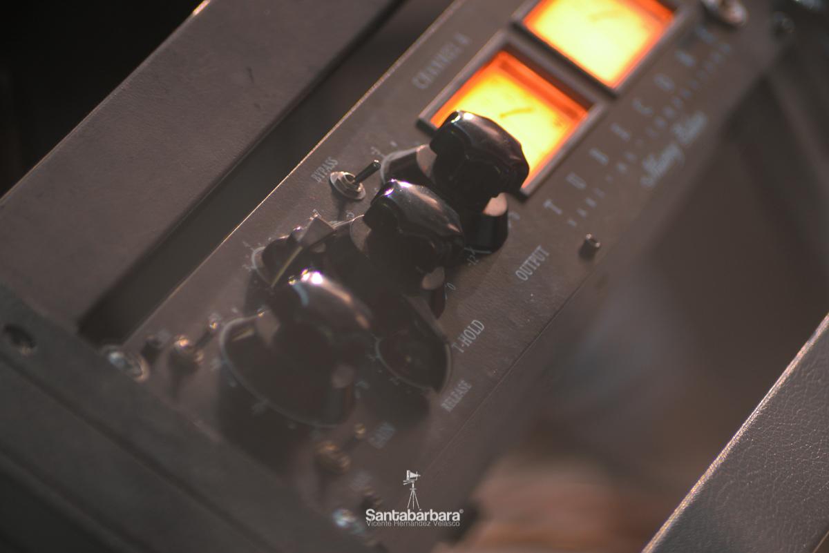 estudio magnético - Estudio Fotográfico Santabárbara, sesiones de estudio y reportajes fotográficos
