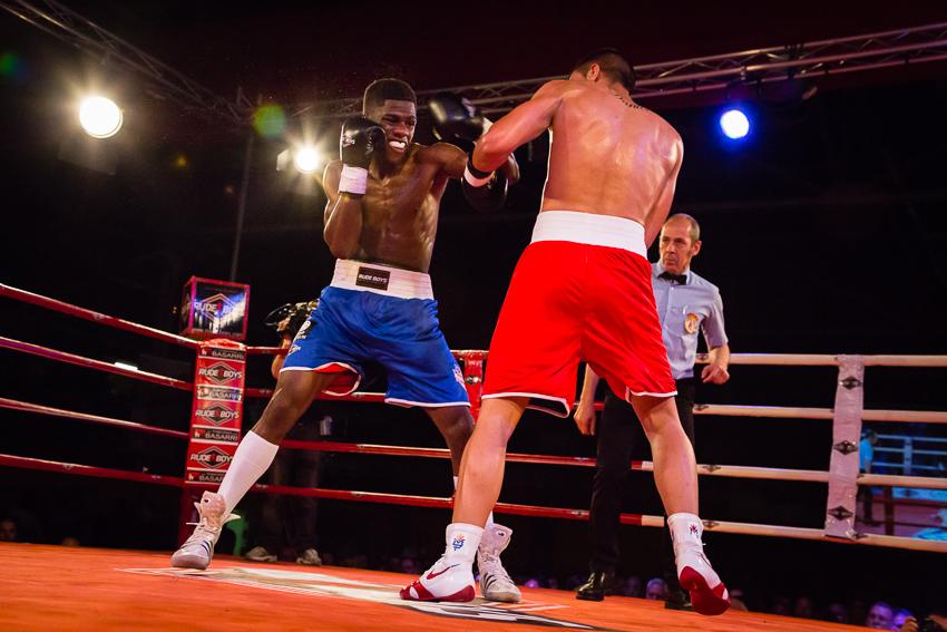 Siguiendo a Damian El Guinea - VictorJV, Photoreporter
