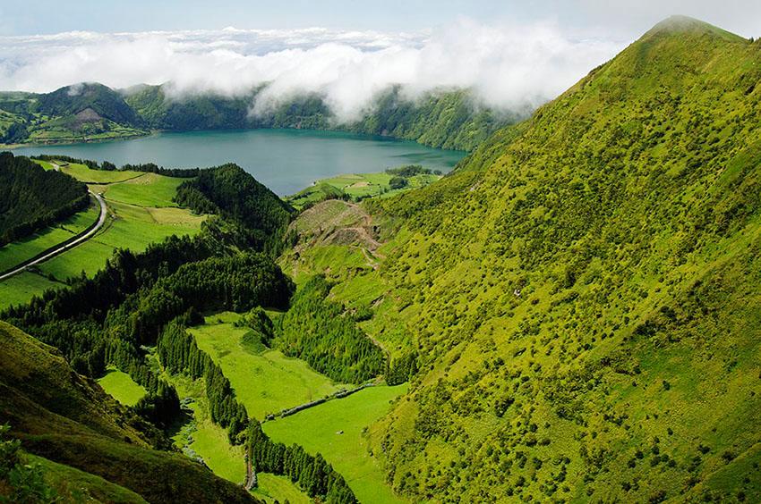 Falla y Lagoa Azul. Isla de Sao Miguel - Islas Azores - Islas Azores - Roberto Bueno – Fotografía de Naturaleza