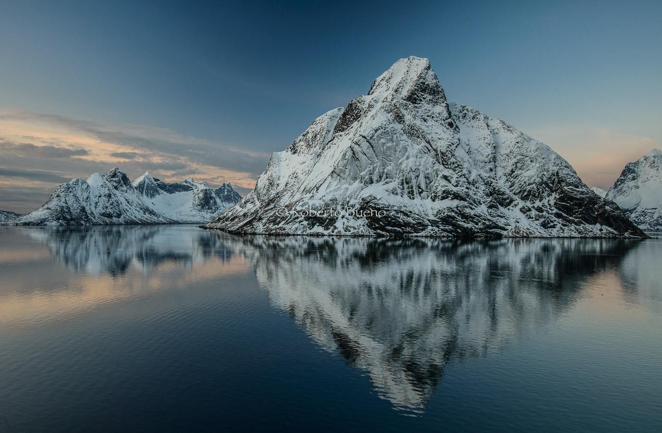 El crepúsculo blanco - Islas Lofoten - Islas Lofoten, Noruega. Roberto bueno. Paisajes de invierno