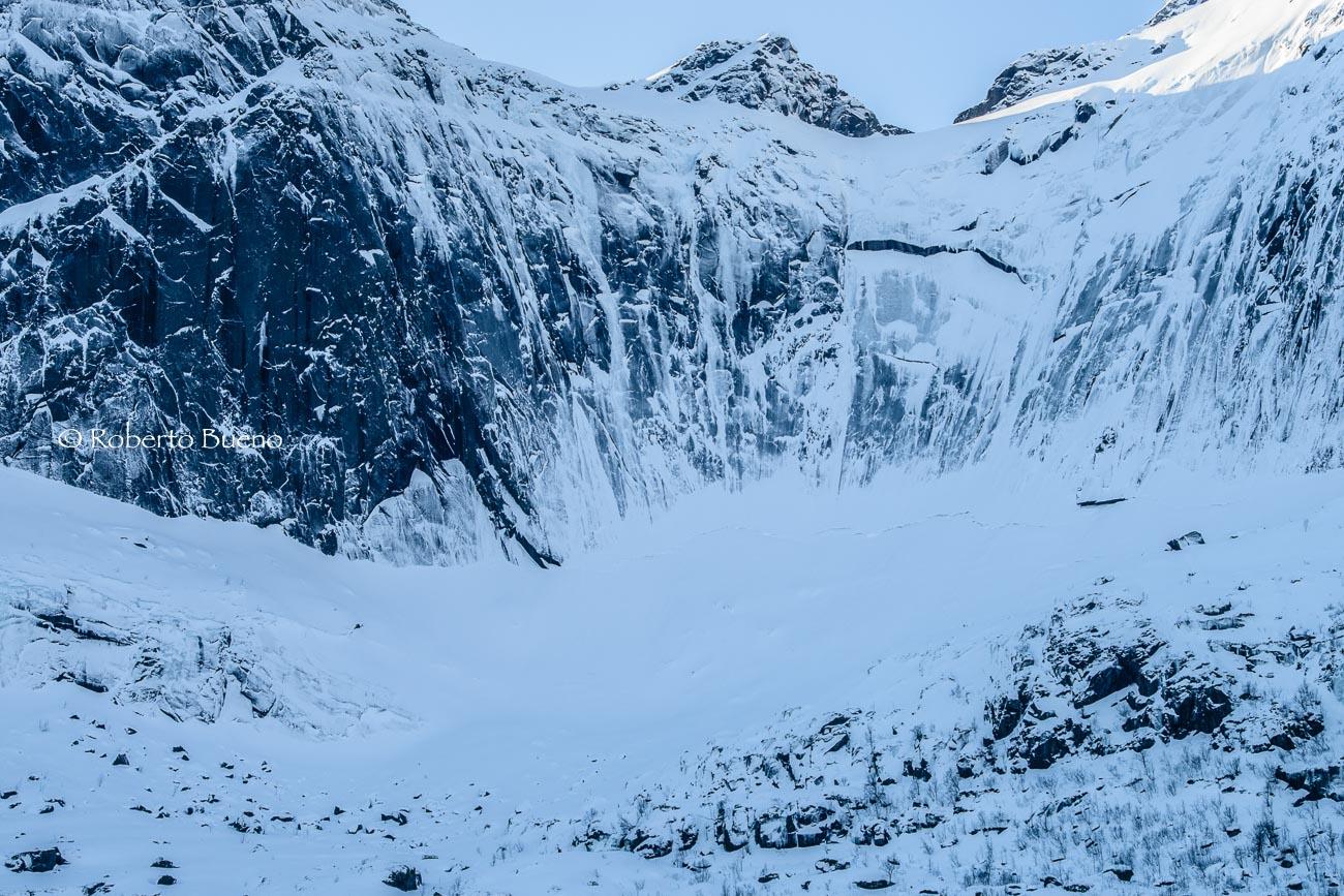 Abismo blanco - Islas Lofoten - Islas Lofoten, Noruega. Roberto bueno. Paisajes de invierno
