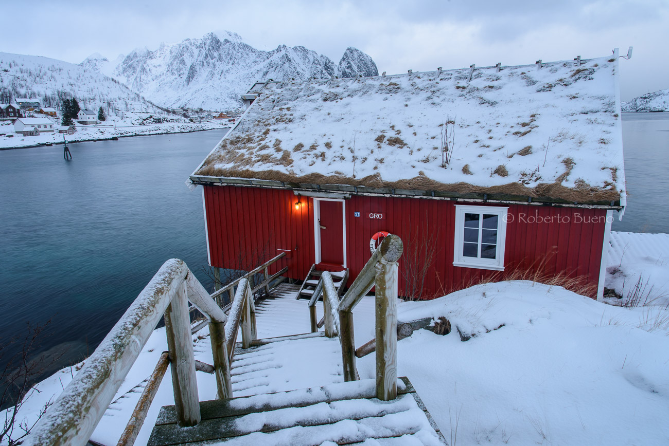 La casa de la bombilla - Islas Lofoten - Islas Lofoten, Noruega. Roberto bueno. Paisajes de invierno