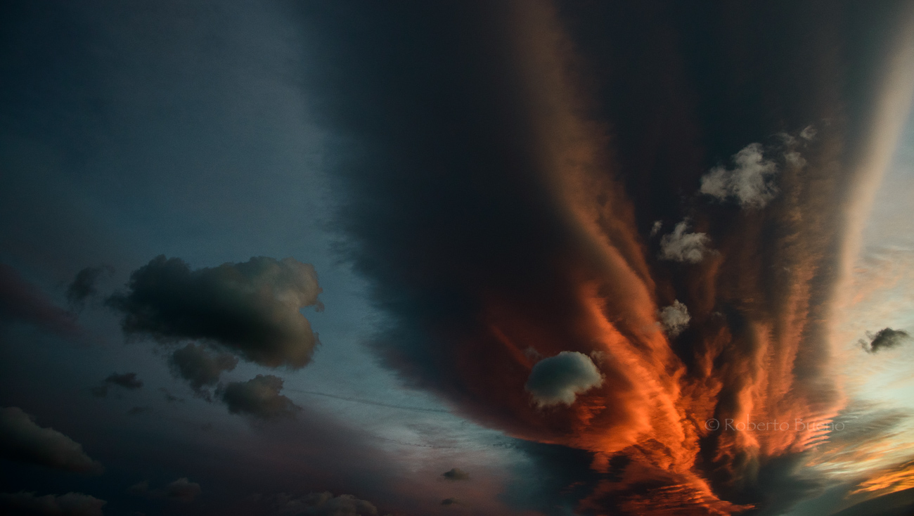 Altocumulus lenticularis. L'Hospitalet de l'Infant - Estar en las nubes - Nubes - Roberto Bueno – Meteorología, atmósfera