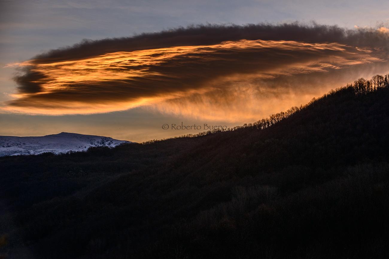Altocumulus lenticularis. Sierra de Béjar - Estar en las nubes - Nubes - Roberto Bueno – Meteorología, atmósfera