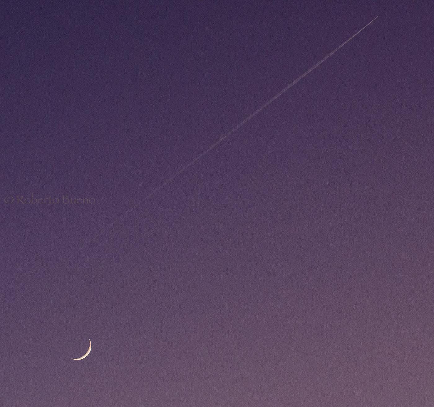 Volando sobre la luna creciente - Con Otros Ojos - Con Otros Ojos - Roberto Bueno – Fotografía, Naturaleza, Abstracciones