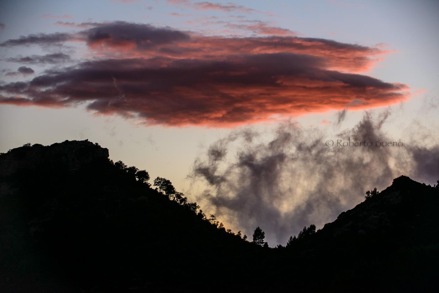 Tocando el cielo. Serra de Vandellòs - L´Hospitalet-Vandellòs - L´Hospitalet de l´Infant - Vandellòs; Roberto Bueno; Fotografía