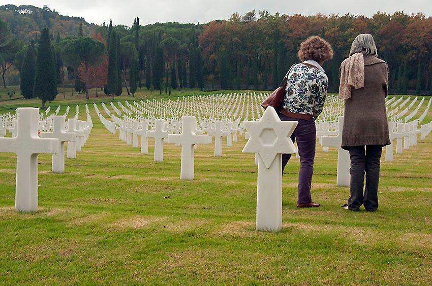 Memorial y Cementerio Americano  de Florencia  - Huellas de historia - Fósiles, arqueología, historia - Roberto Bueno – Miliarios, museos, tumbas
