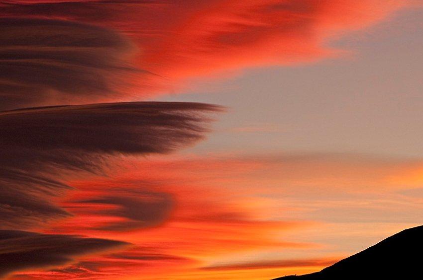 Altocúmulos lenticularis. L'Hospitalet de l'Infant - Estar en las nubes - Nubes - Roberto Bueno – Meteorología, atmósfera