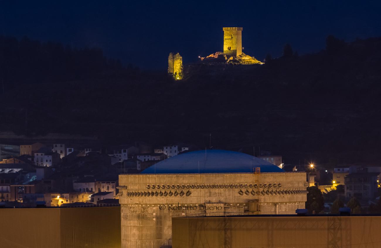 Castillo y Central Nuclear de Ascó - Energía Nuclear - Roberto Bueno. Energía Nuclear y Centrales Nucleares