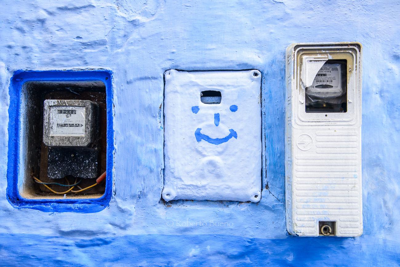 Contadores eléctricos de sonrisa azul - Energía eólica - Roberto Bueno. Fotografías Energía eólica y aerogeneradores