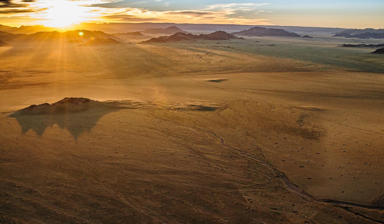 Amanece en el desierto del Namib II - Desde el aire - Roberto Bueno - Fotografía de Naturaleza - Luces del Planeta - Desde el aire